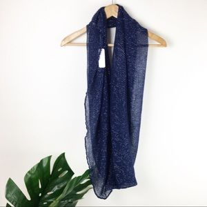 Charming Charlie | Blue shimmer infinity scarf